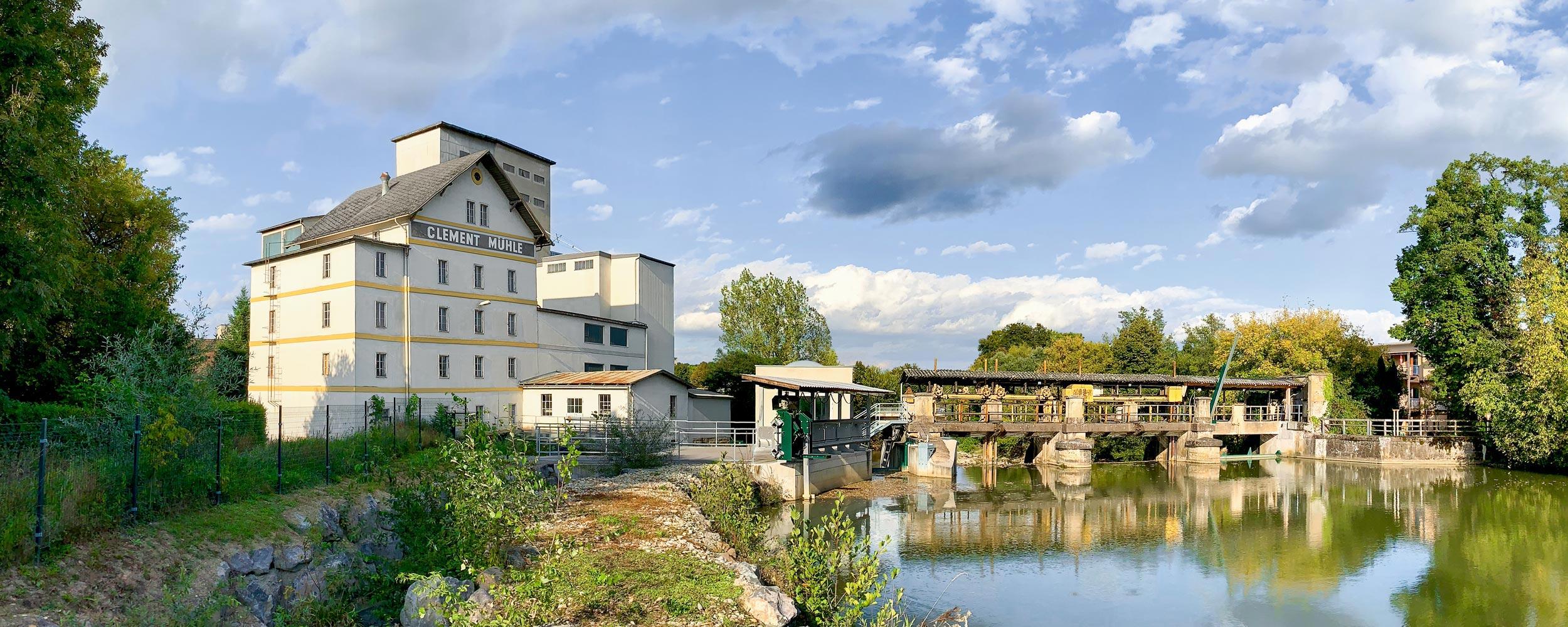 Clement Mühle Feldbach - Mischfutterwerk für verschiedene Tiere, Silogruppe, Trocknungsanlage für Getreide